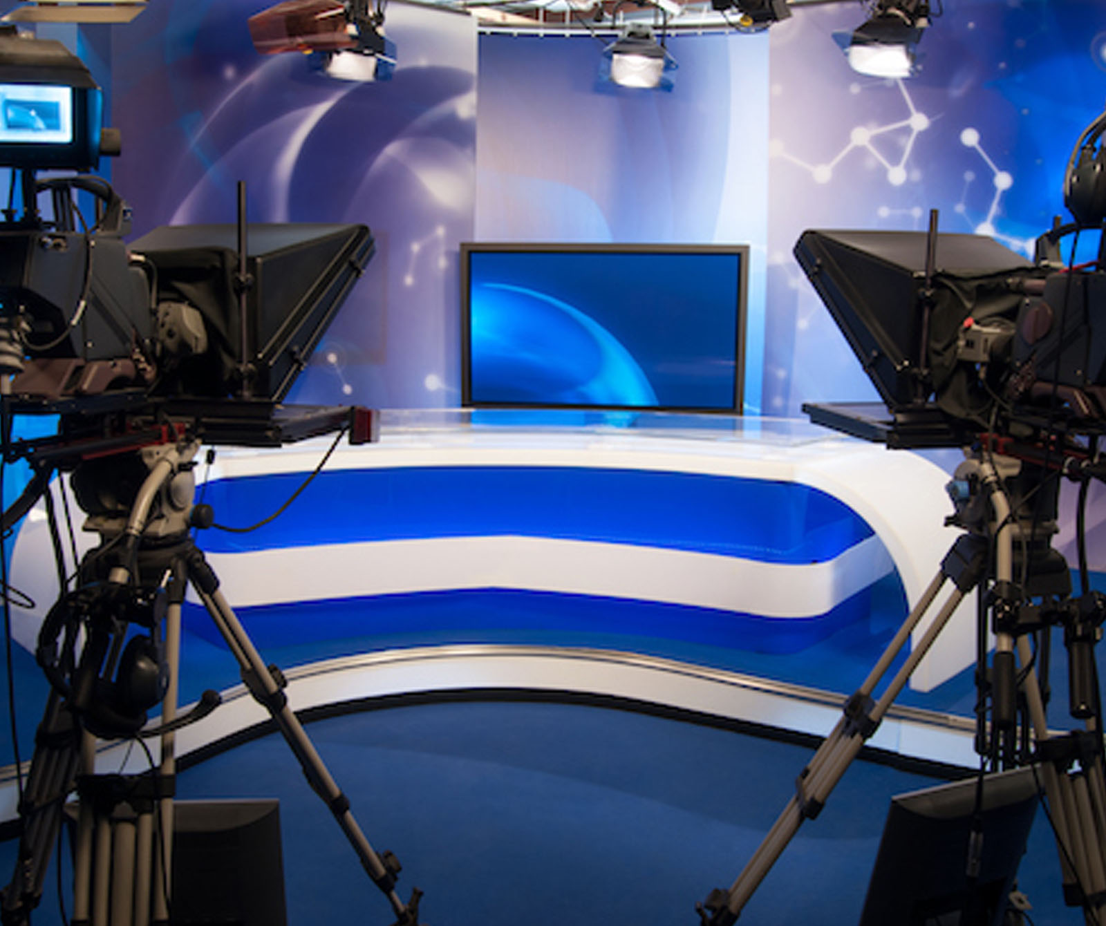 Offers 100 m2 floor-space, cameras, and boasts spectacular views over a modern London business centre providing an ideal backdrop for live News broadcasts and corporate productions.
